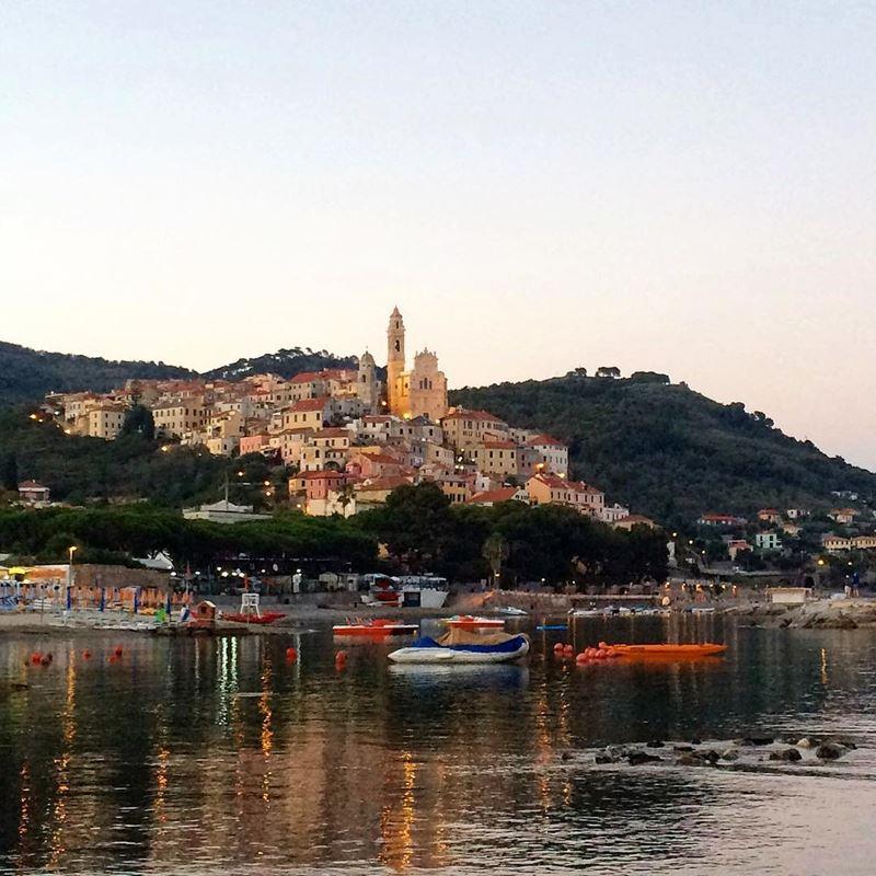Отпуск на море в Италии: лучшие места для пляжного отдыха - Лигурийское побережье