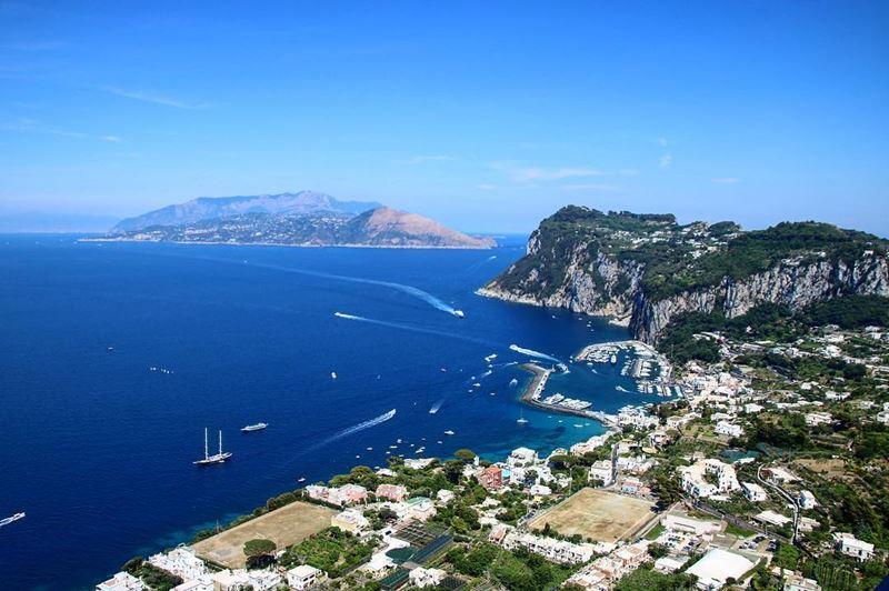 Отпуск на море в Италии: лучшие места для пляжного отдыха - Остров Капри