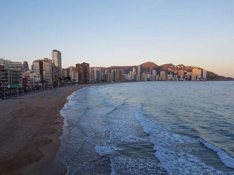 Курортные города Испании на побережье Средиземного моря: Бенидорм