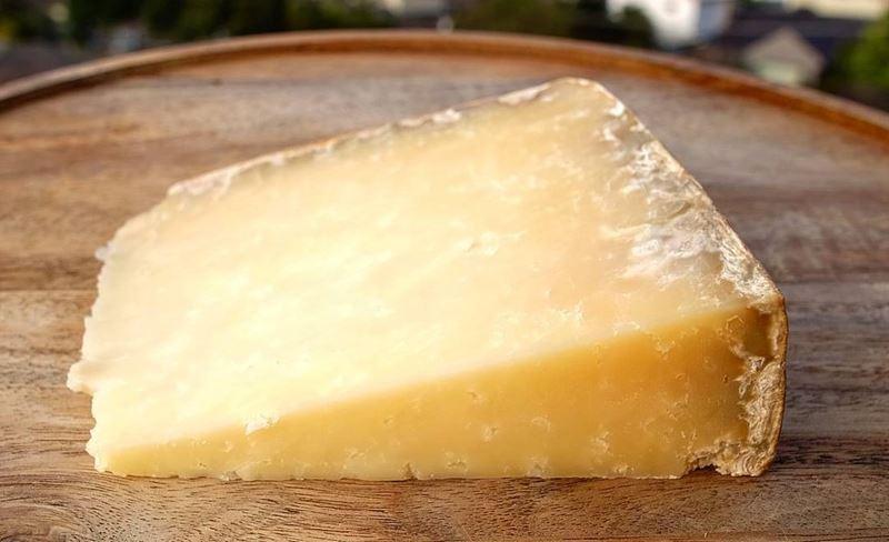 Сорта французского сыра - Канталь, твёрдый, зрелый
