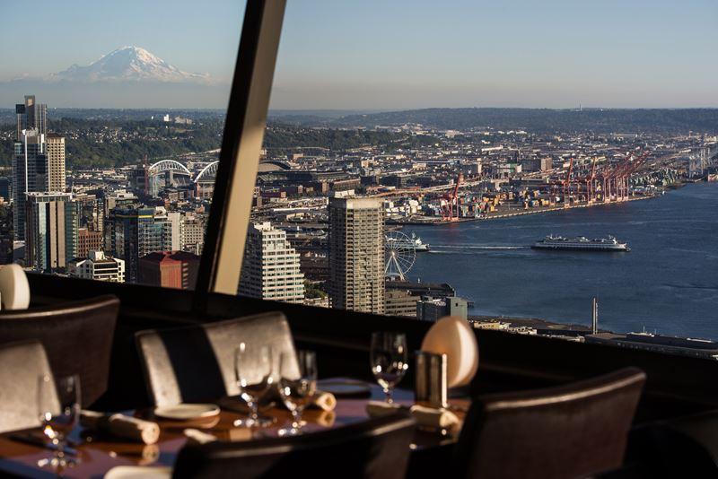 Высокие панорамные рестораны: SkyCity в башне «Спейс-Нидл» (Сиэтл, США)