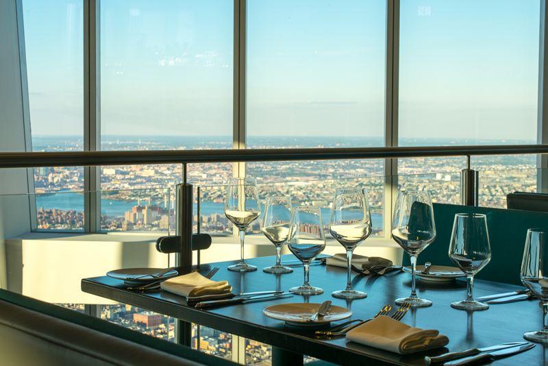 Высокие панорамные рестораны: One Dine в торговом центре Westfield (Нью-Йорк, США)