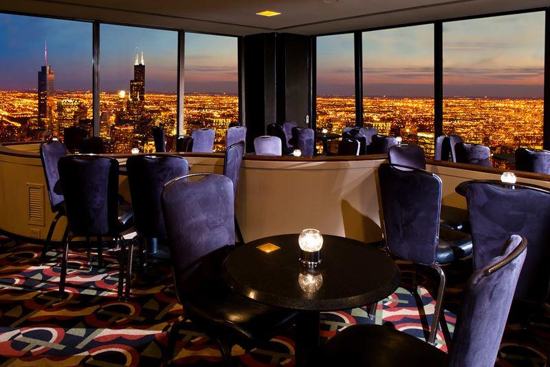 Высокие панорамные рестораны: The Signature Room в Центре Джона Хэнкока (Чикаго, США)