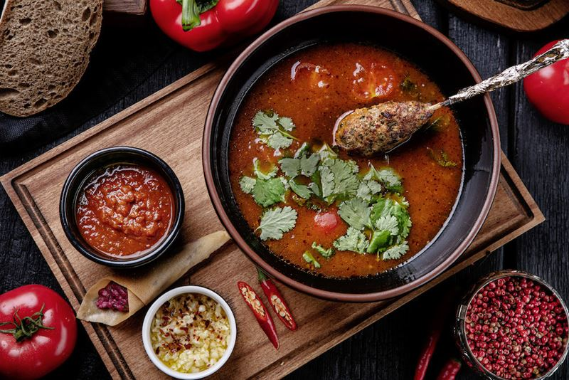 Рецепты вкусных и сытных мясных супов - Суп Харчо с люля-кебаб