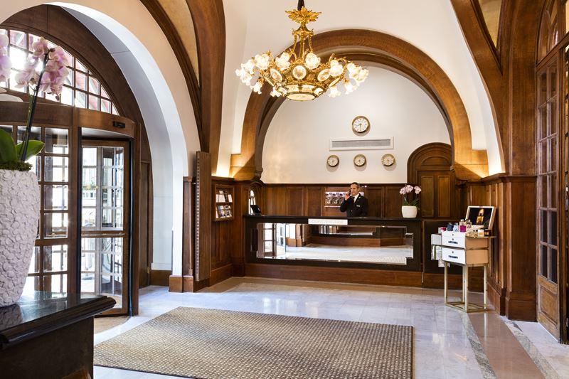 Hôtel Barrière Le Normandy Deauville - лобби