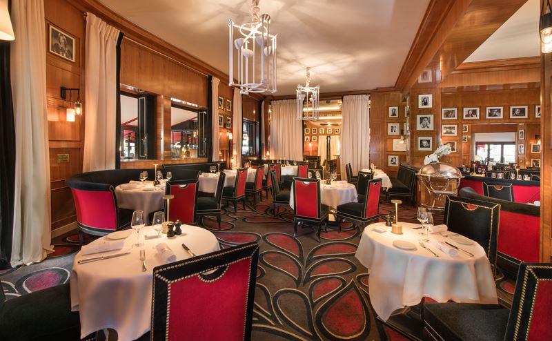 ресторан Fouquet`s отеля Hôtel Barrière Le Fouquet`s Paris
