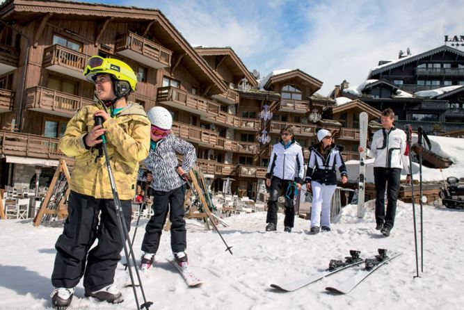 Зима в Куршевеле: каким спортом можно заняться на горнолыжном курорте Grandes Alpes