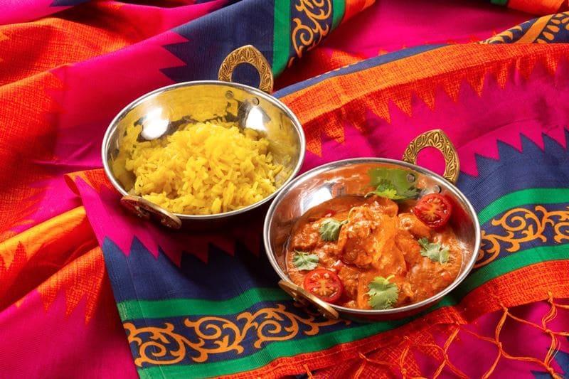 Блюда индийской кухни в ресторане «Шикари» - Баттер чикен с рисом