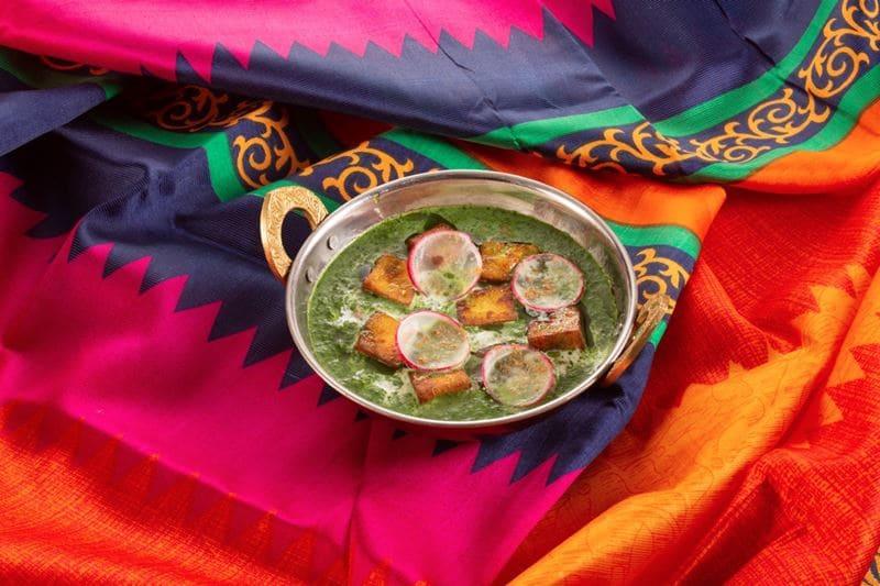 Блюда индийской кухни в ресторане «Шикари» - Палак панир