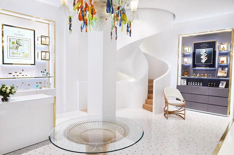 Флагманский магазин косметического бренда Valmont открылся в отеле Le Meurice в Париже