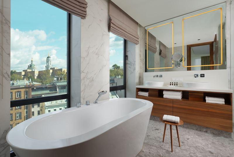 Отель Mövenpick Moscow Taganskaya в Москве - ванная комната номера Suite