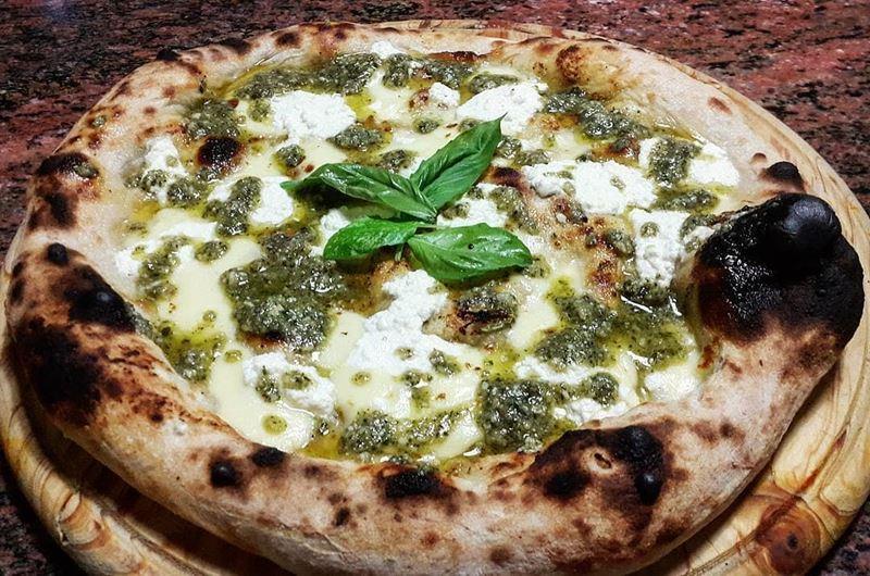 Что такое «песто» и почему зелёный соус так называется - пицца