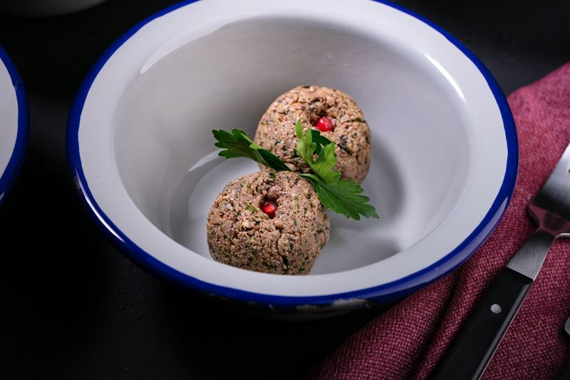Рецепты с грибами от сети грузинских закусочных «Вай Мэ!» - Пхали из шампиньонов