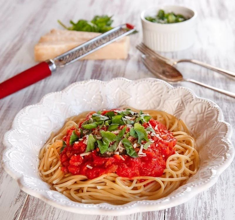 Рецепт спагетти с томатным соусом от Одри Хепберн
