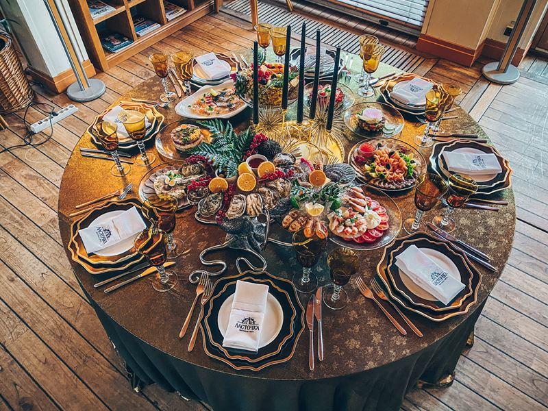 Декор новогоднего стола от Yacht Event