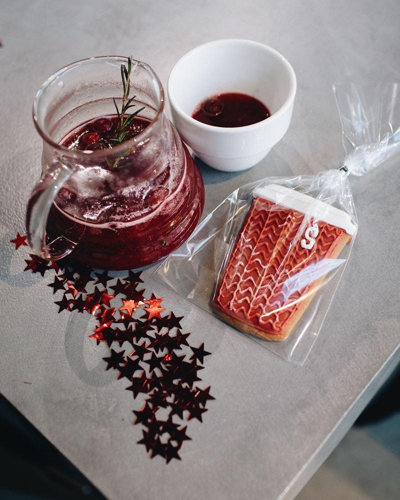 Зимние безалкогольные напитки в Sibaristica Coffee Roasters - Чай клюква-розмарин