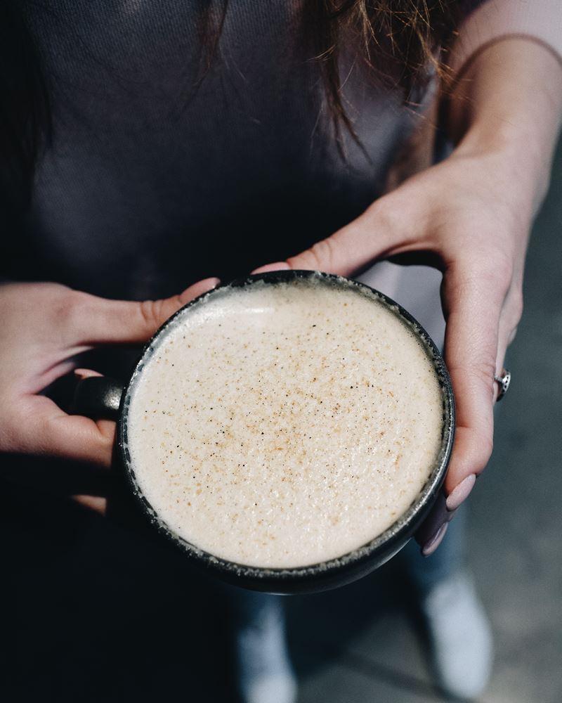 Зимние безалкогольные напитки в Sibaristica Coffee Roasters - Раф лимон-кардамон