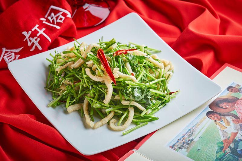 Рецепты блюд с морепродуктами - Жареные кальмары с кинзой