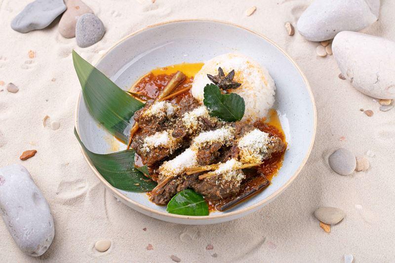 блюда индонезийской кухни в меню ресторана «Шикари» - Говядина Ренданг