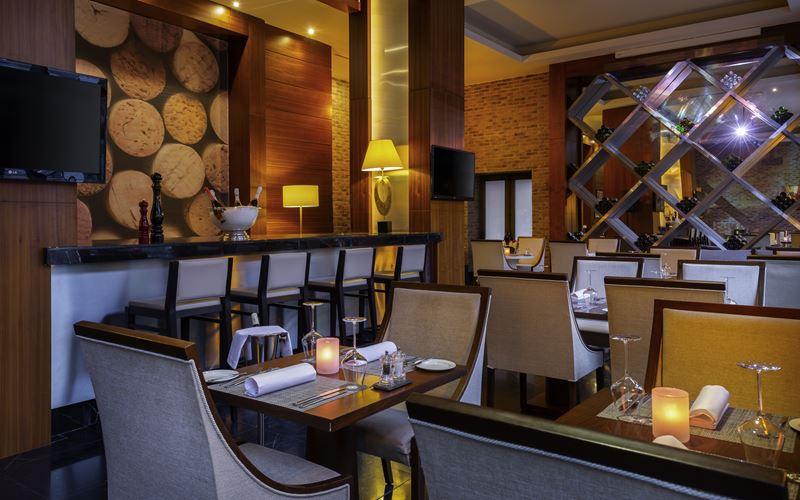 Новый отель в Сочи: Novotel Congress Красная Поляна - ресторан 1