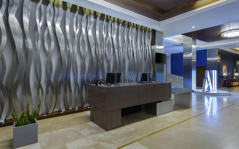 Новый отель в Сочи: Novotel Congress Красная Поляна - лобби 1