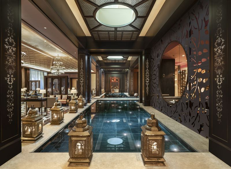 Отель St. Regis Cairo на берегу реки Нил в Египте - бассейн