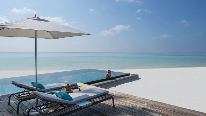 Путешествия в 2021 году: туризм после пандемии - Four Seasons Private Island Maldives at Voavah