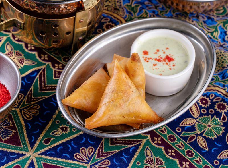 Самосы с овощами - рецепт шеф-повара ресторана Tajj Mahal Мумтаза Арайна