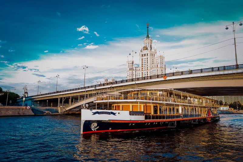 Свадьба на воде: открытие сезона в банкетных залах Yacht Event - яхта Ласточка