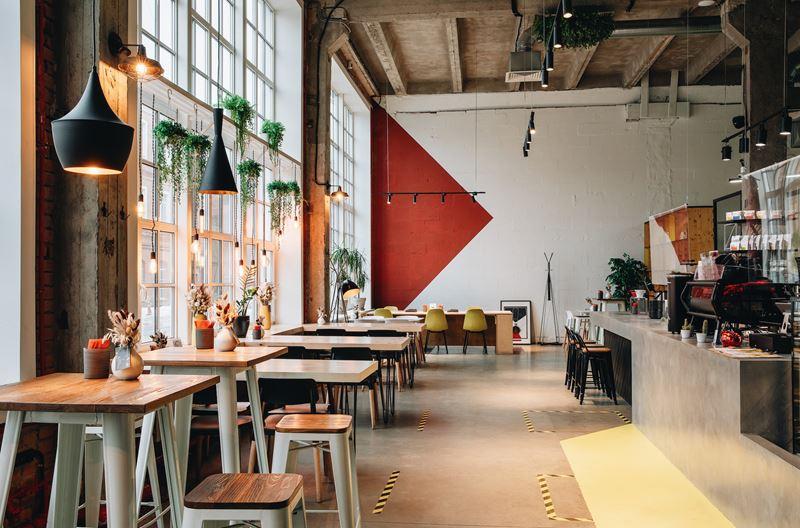 От роллов до онигирадзу: кофейня Sibaristica в Санкт-Петербурге запустила паназиатскую кухню