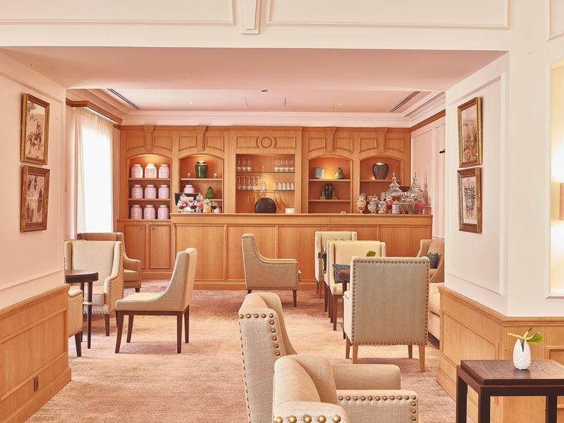 Chais Monnet Hotel & Spa - кафе Angélique