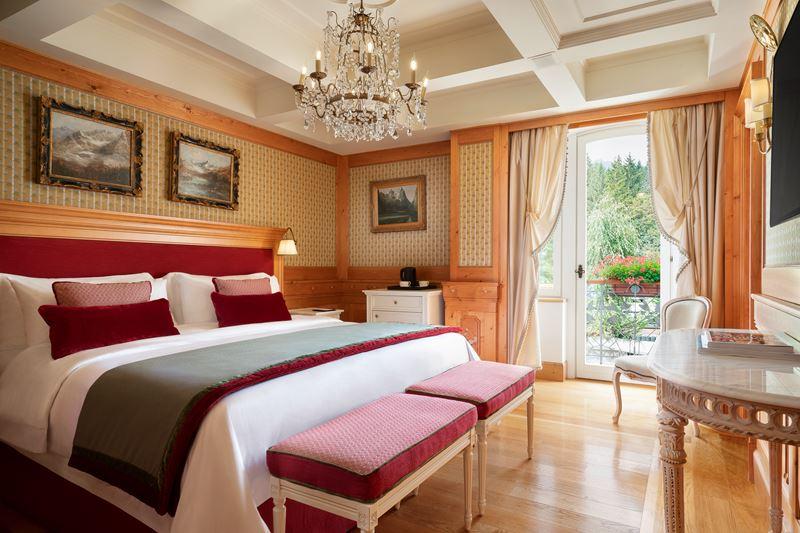 Номер имени Фрэнка Синатры Cristallo, a Luxury Collection Resort&Spa - спальня
