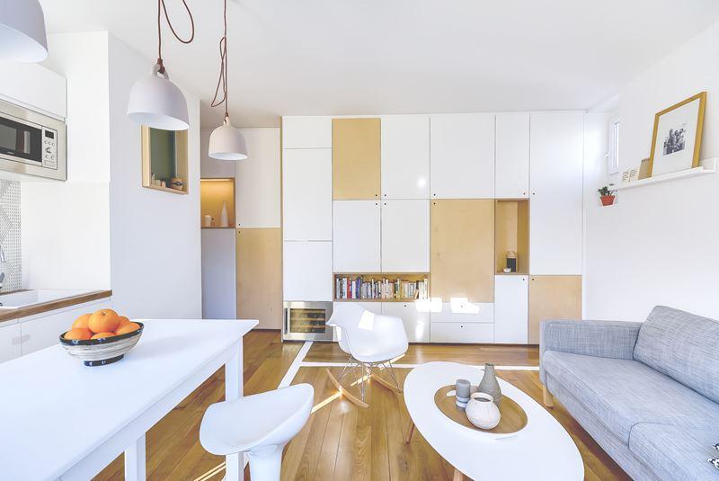 Интерьер квартиры-студии в 30 м² с зонированием - гостиная