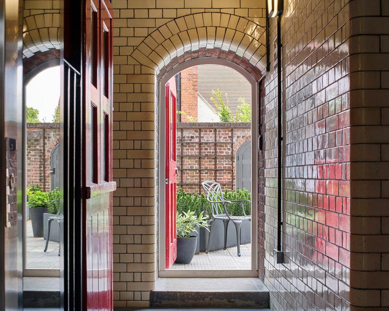 Бывшая лондонская пожарная станция Belsize - белый кирпич