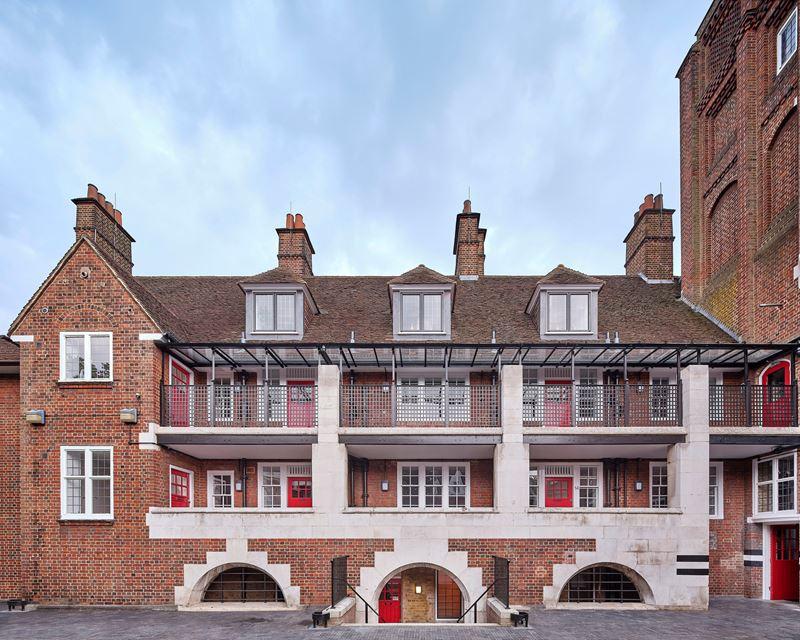 Как лондонскую пожарную станцию превратили в жилой комплекс на 20 квартир