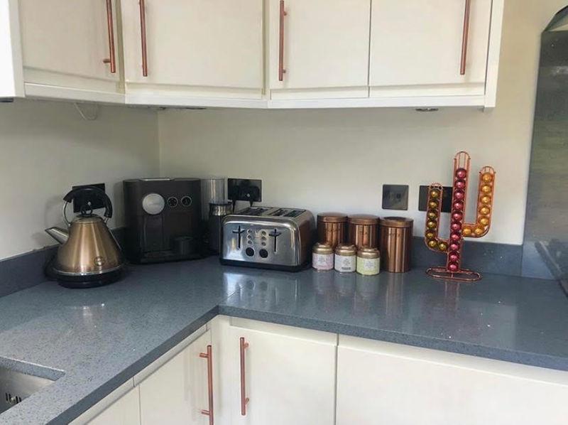 Девушка перекрасила белую кухню в чёрную - кухонные принадлежности и аксессуары