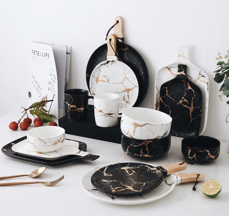 Красивая и стильная посуда с Aliexpress - Чёрно-белый набор с золотыми кракелюрами (HTH WORKSHOP)