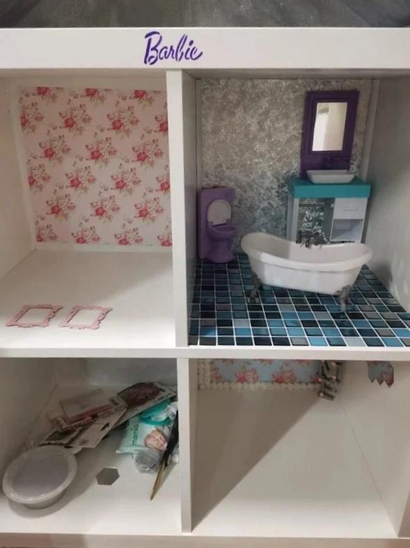 Из стеллажа IKEA в домик для Барби - комнаты в домике