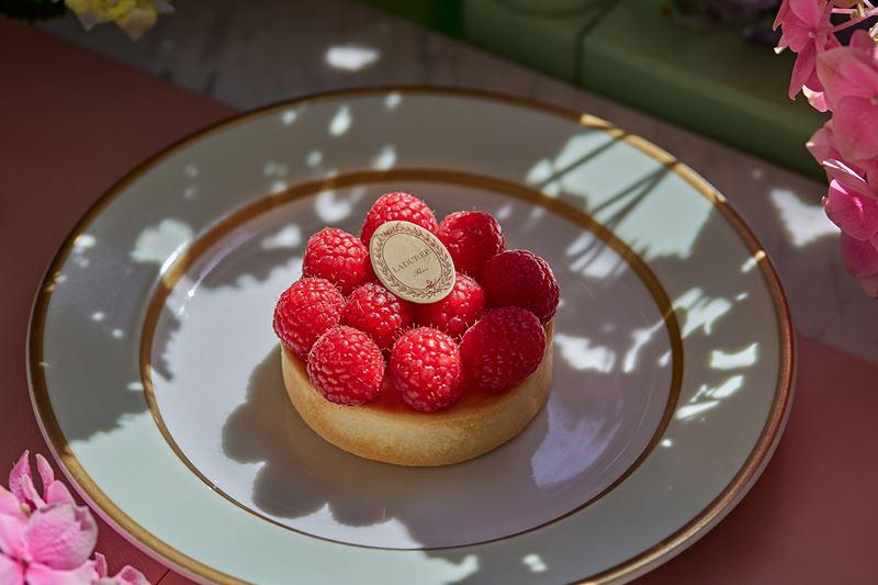 Ресторан Ladurée à-la Russe - Тарталетка малина-маракуйя