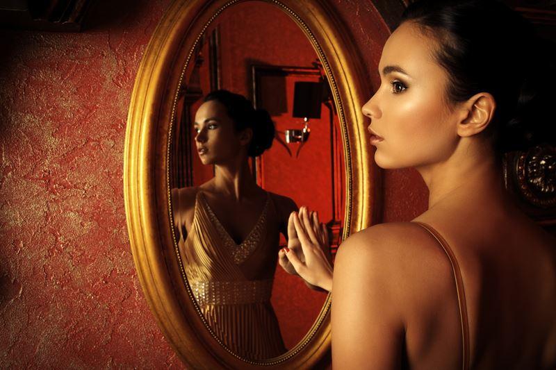 Гляжусь в тебя: 5 причин, по которым нам нужно зеркало в интерьере