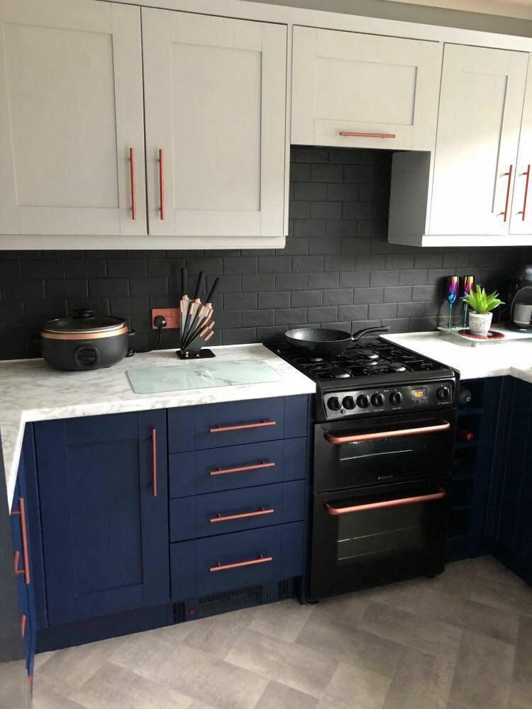 Британка перекрасила деревянную кухню - новая кухня с ламинатом