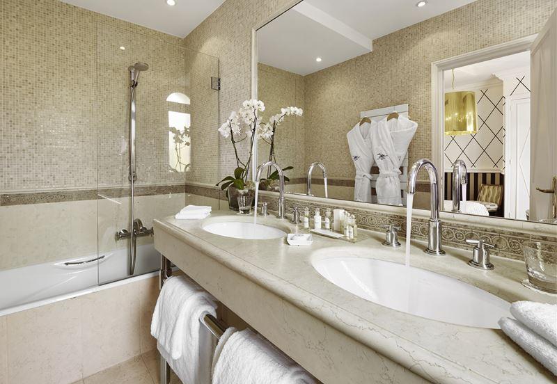 Отель Belles Rives (Франция, Лазурный берег) – ванная комната