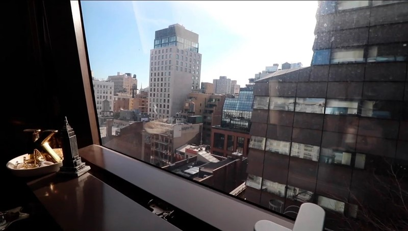 Комната в самом дорогом общежитии США - Вид на Нью-Йорк