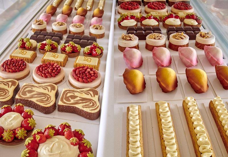 Бутик-кондитерская Ritz Paris Le Comptoir - десерты