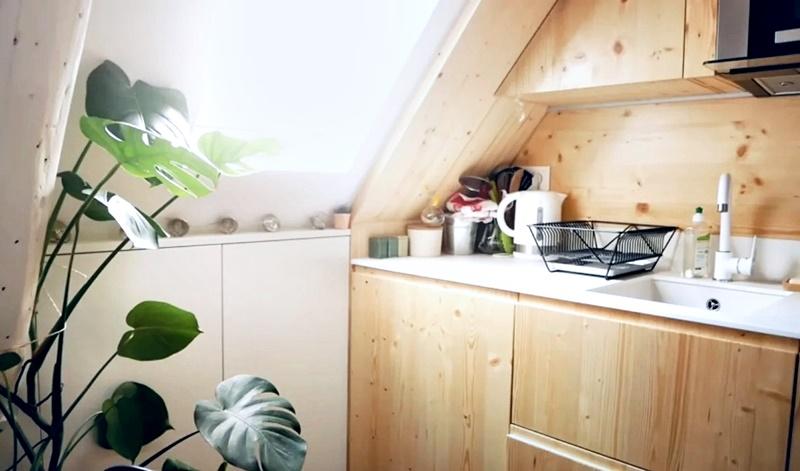 Француженка показывает квартиру в Париже 17 м² - кухня