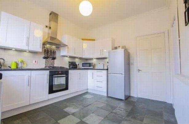 Перекрасила белую кухню - глянцевая кухня до ремонта