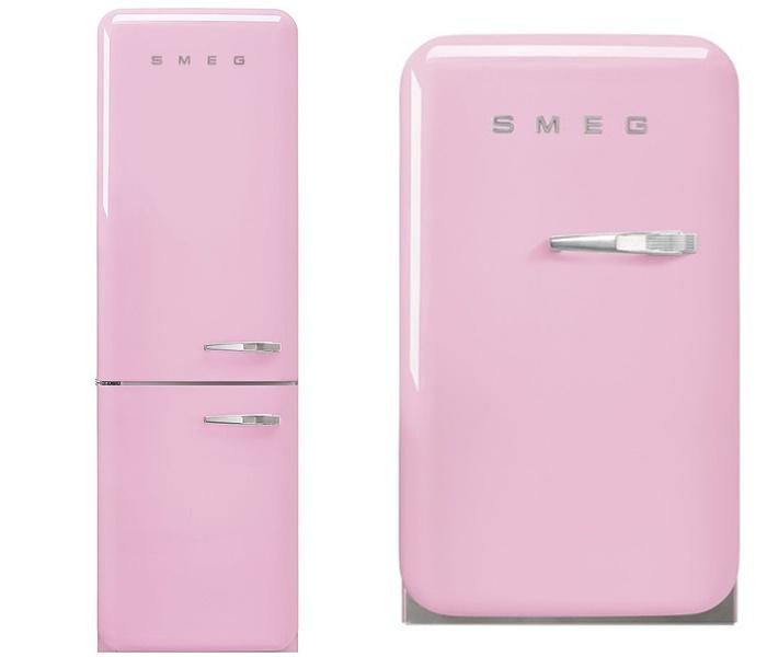 Перекрасила белую кухню - розовый холодильник Smeg