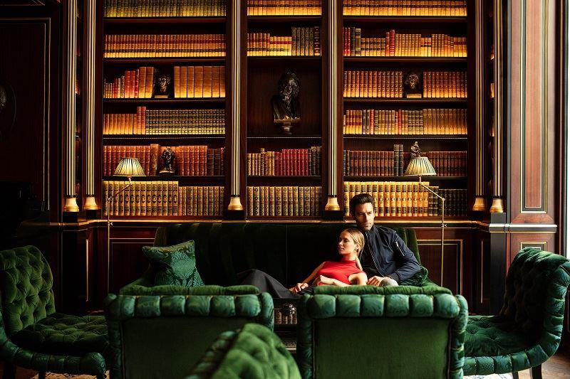 Библиотека герцога де Морни в отеле La Réserve Paris - интерьер 1