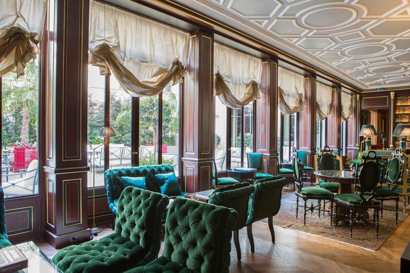 Библиотека герцога де Морни в отеле La Réserve Paris - окна