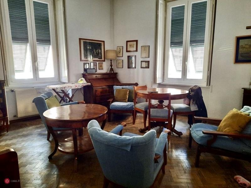 Интерьер квартиры в центре Рима 110 м² - центр гостиной